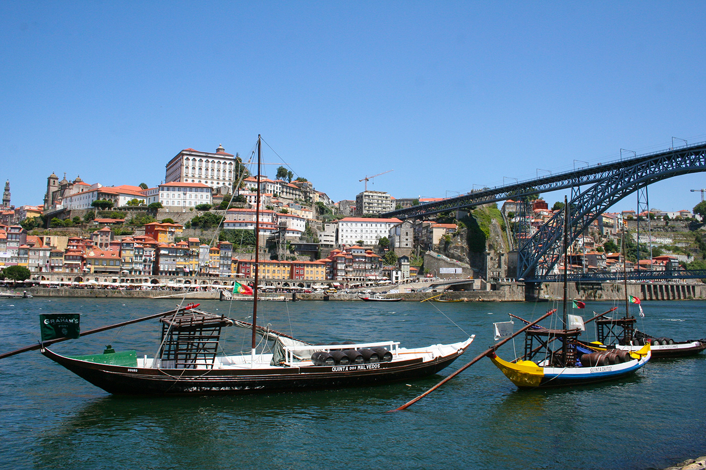 Blick auf Portos Altstadt und die Ponte Dom Luís 1.