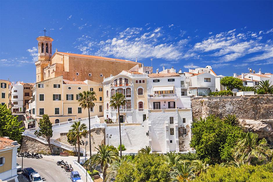 Mahón/Maó ist die erste Station für die Wanderung auf dem Camí de Cavalls auf Menorca