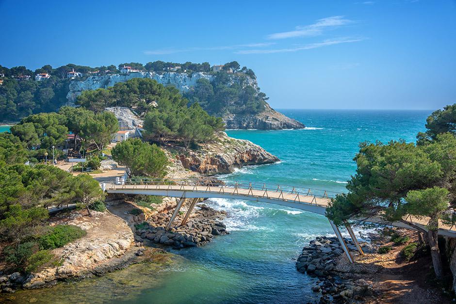 Brücke zur Halbinsel von Cala Galdana