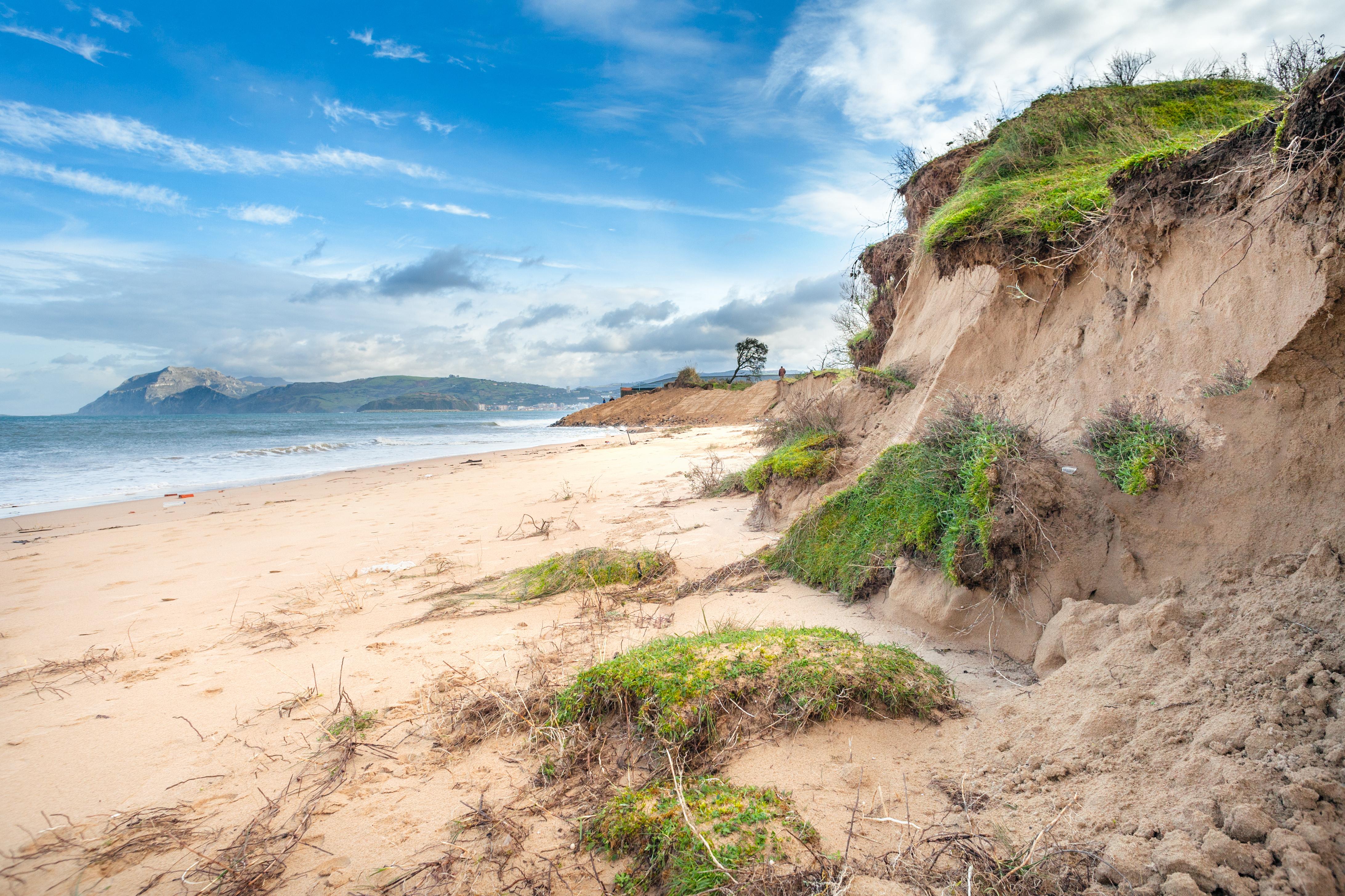"""Der Strand """"Punta de Laredo"""" von Laredo"""