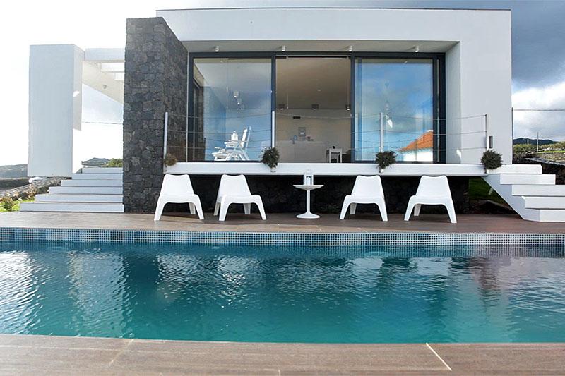 Casa das Cinco_Terrasse mit Pool