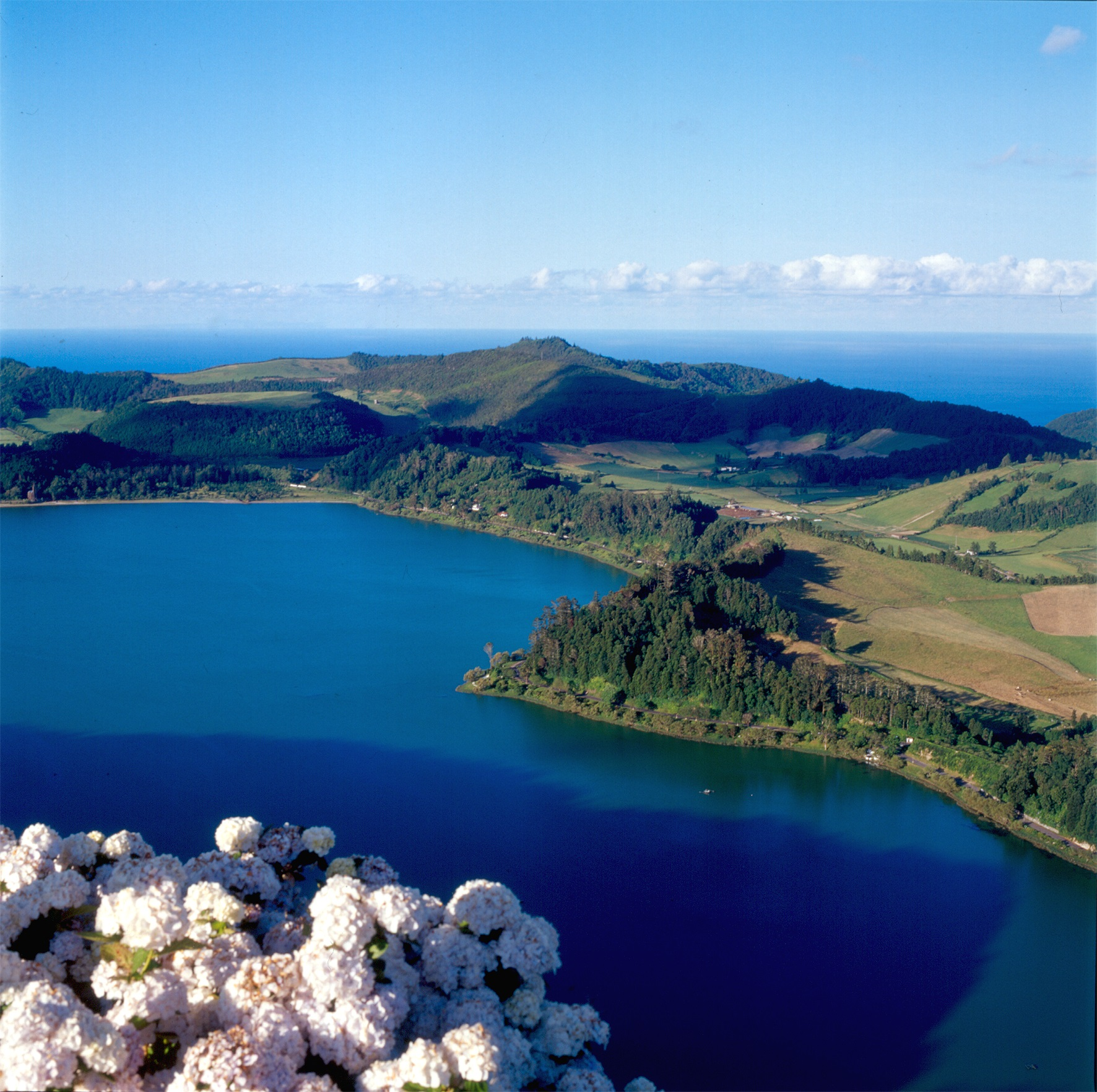 Azores on Travel_Lagoa das Furnas