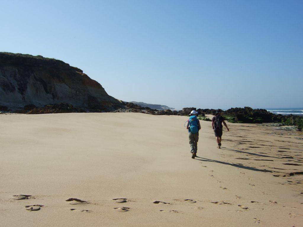 Portugal, Alentejo, Strandwanderer