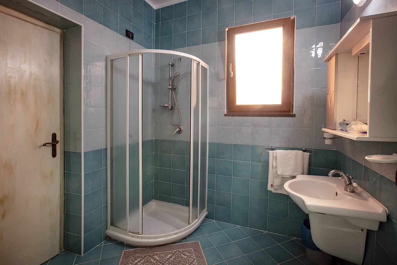 Badezimmerbeispiel Hotel Aragonese Ischia